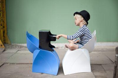 Flux Folding Chairs In Situ 2